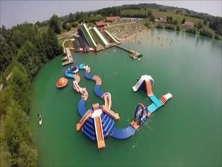 Resort Adventure Inflatable Waterpark Tremplins Water Jump - Lac - Arroques